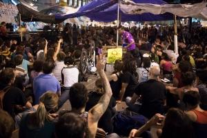 LOS DOS ULTIMOS DIAS DE LA ACAMPADA DEL MOVIMIENTO 15M POR UNA DEMOCRACIA REAL, EN LA PUERTA DEL SOL DE  MADRID, ESPAÑA, EL SABADO 11 Y DOMINGO 12 DE JUNIO 2011 - Laura Surroca